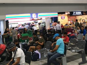 マニラ空港 第3ターミナル セブンイレブン コンビニ