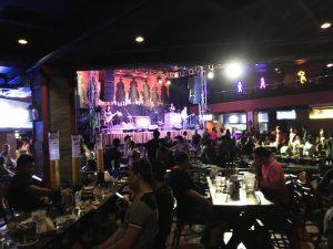 マニラ夜遊び レストラン