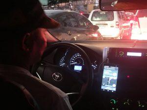 Wazeを利用する現地ドライバー