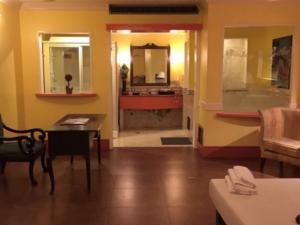 マニラ夜遊び エアフォースワン ビジネスクラス 室内