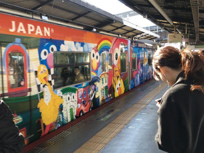 西九条駅、USJへの電車