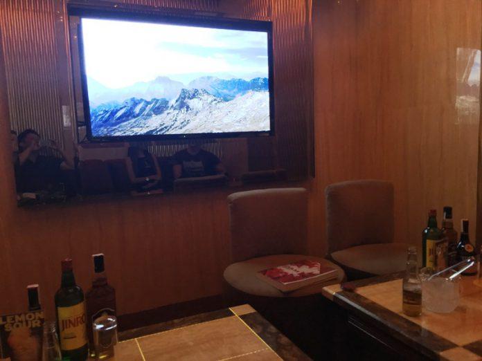 マニラ夜遊び KTV「プレミアケイコ Premier Keiko」VIPルーム 最新カラオケ