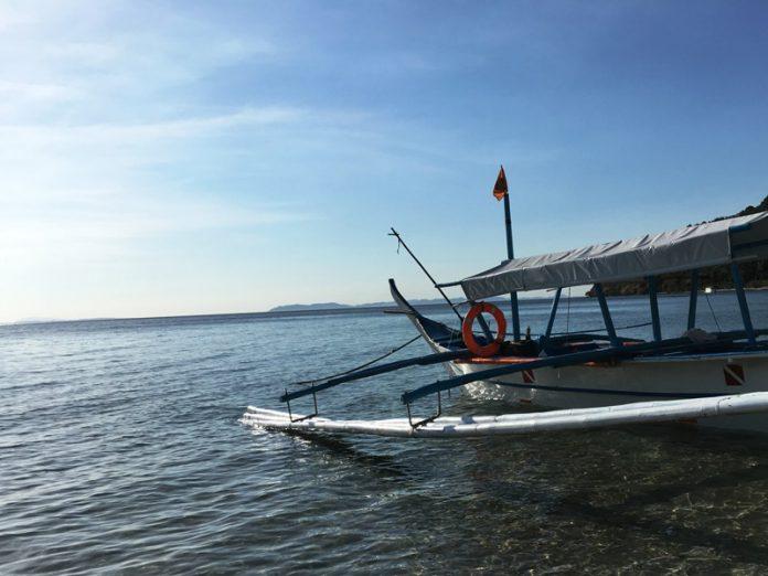 フィリピン 漁船 田舎