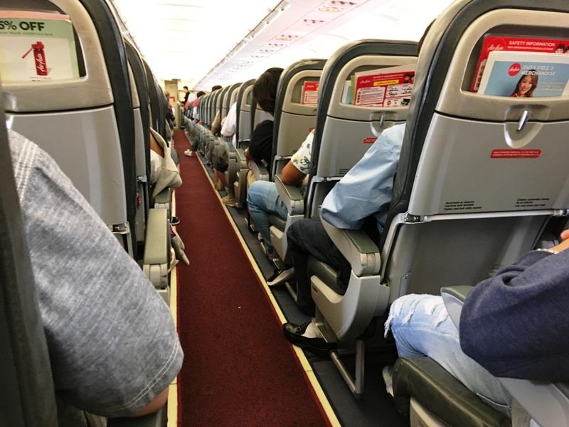 エアアジア AirAsia 機内の様子