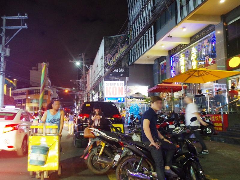 マニラのおすすめレストラン 中華料理屋 店前の雰囲気