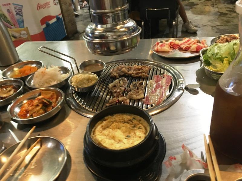 食べ放題の韓国焼肉店