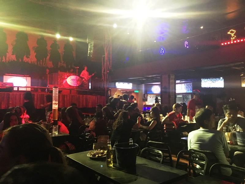 マニラのおすすめレストラン兼ライブバンドバー 「カウボーイグリル COWBOY GRILL」