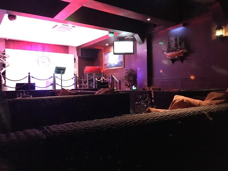 マニラ夜遊び KTV「カイ Kai Lounge」 ダイニングスペース