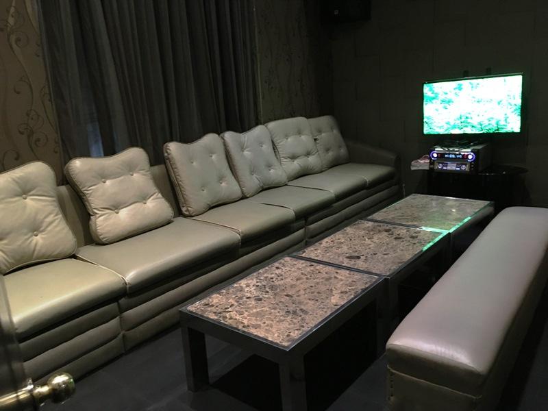 マニラ夜遊び マラテのおすすめKTV『カプリコーン』 大人数用VIPルーム