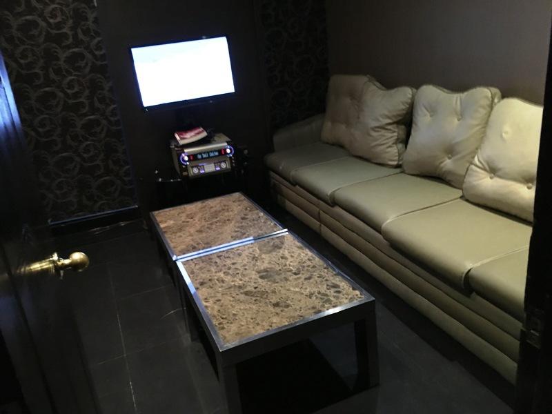 マニラ夜遊び マラテのおすすめKTV『カプリコーン』 少人数用VIPルーム