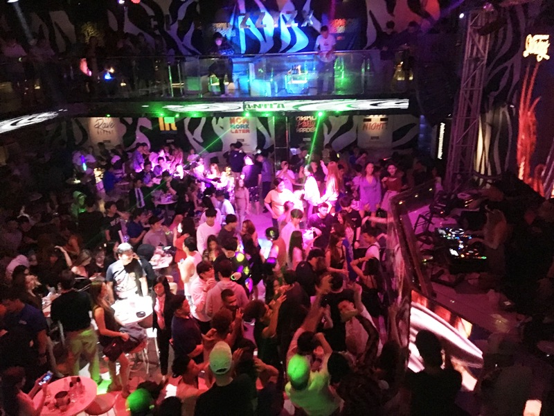 マニラ 夜遊び クラブ ディスコ