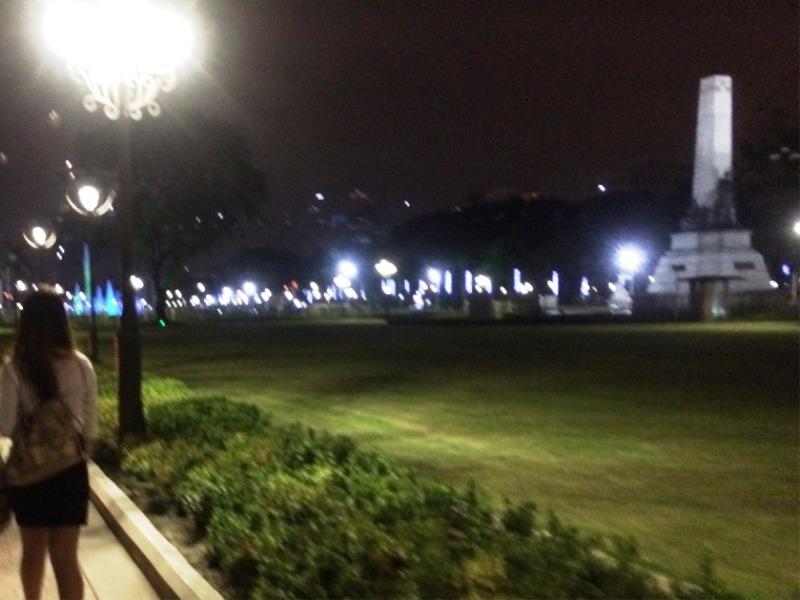 マニラ リーサルパーク 夜